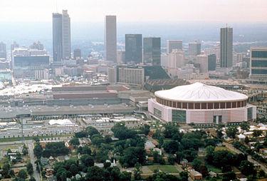 375px-Atlanta_skyline_with_sports_complexes